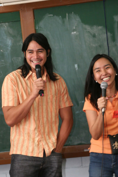 Giggling like a teenager, what was I thinking? Photo by Ditoy Aguiluz
